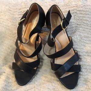 NWOT Comfortview Black Sandals Size 11WW